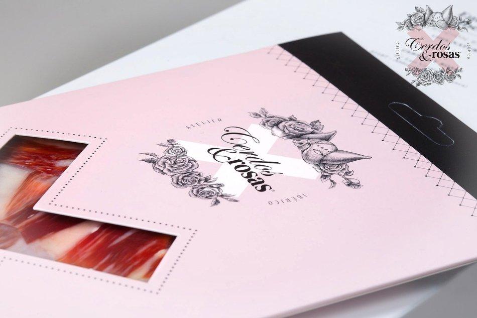 Cerdos y Rosas: Jamón Ibérico de Bellota cortado a cuchillo loncheado. 1 Blíster 100 gramos / unidad