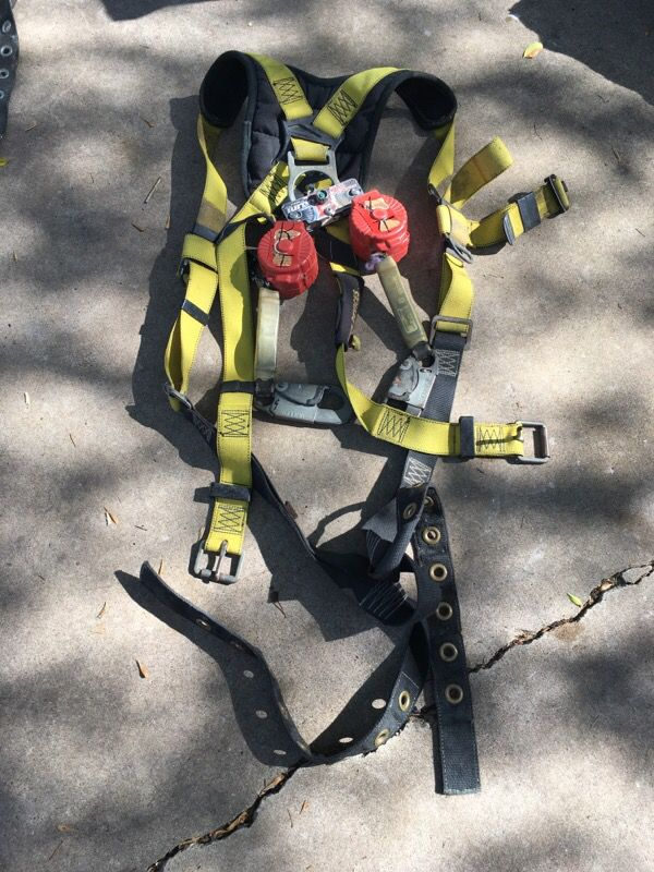 Safety Full Body Harness With Dual Retractable Lanyards