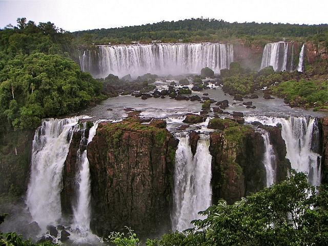 Iguazú National Park (Brazil-Argentina)