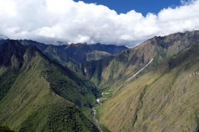 hiking trails in south america - Inca Trail in Peru Photo: karlnorling (flickr.com)