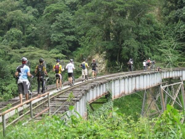 upbike_crossing_train_bridges.michael.grubinger