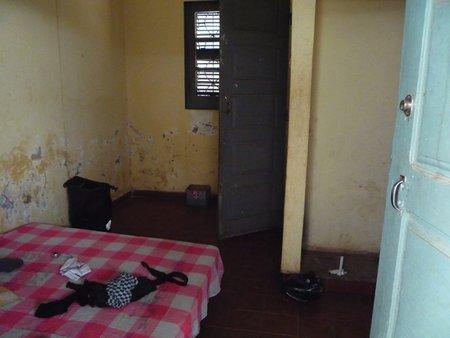 ギニア・ビサウの宿が高プライスで低クオリティ