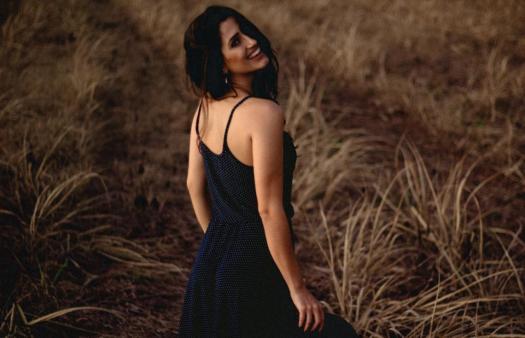 people woman lady smile happy back shoulder model beauty grass landscape