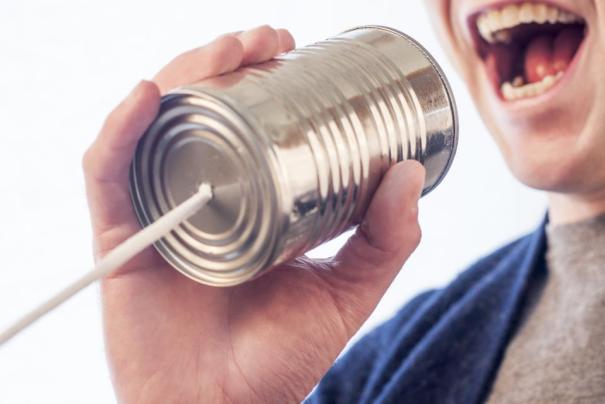 can string talk speak yell hand mouth teeth man guy