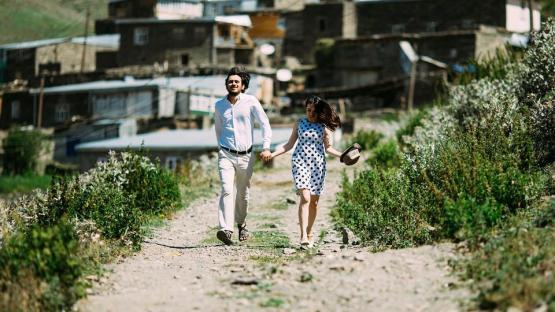 緑、草、屋外、晴れた、日、自然、道、道、人々、男、女、女の子、歩くこと