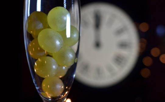 tradicion-12-uvas-año-nuevo-cena