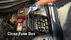 Replace a Fuse: 20042008 Chrysler Pacifica  2006