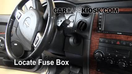 2007 jeep commander interior fuse box diagram