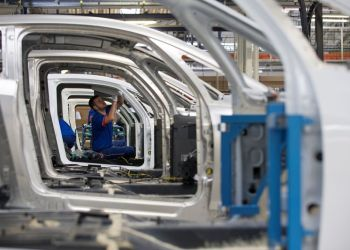 French business activity firms in February despite manufacturing droop: PMIs