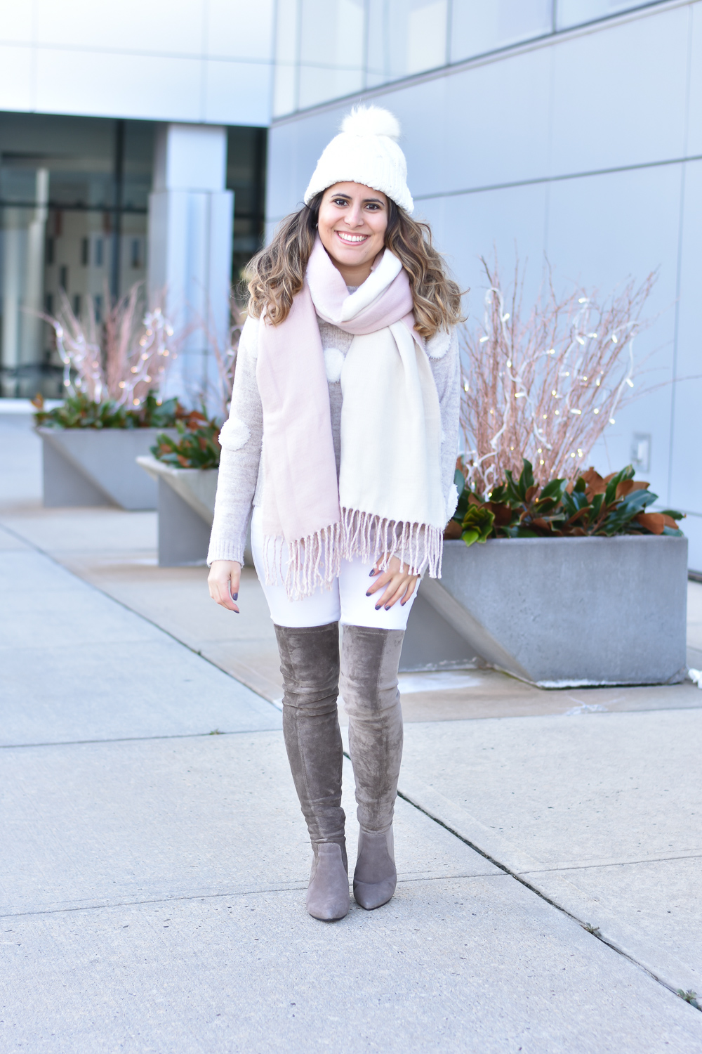 How to Style White Jeans in the Winter