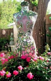 Cute yard ornament for your own outdoor space 30