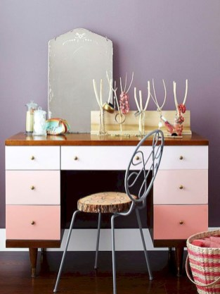 Clever ideas to makeover your mirror 32