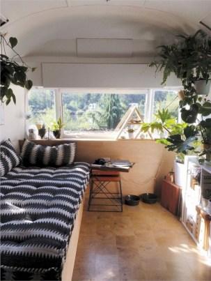 Rv living decor to make road trip so awesome 22