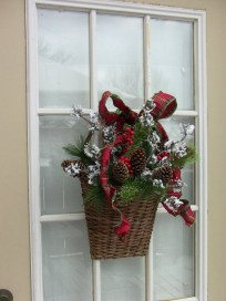 On a budget diy christmas wreath to deck out your door 01