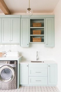 Beautiful and functional small laundry room design ideas 29