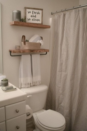 Built-in bathroom shelf and storage ideas to keep your bathroom organized 17