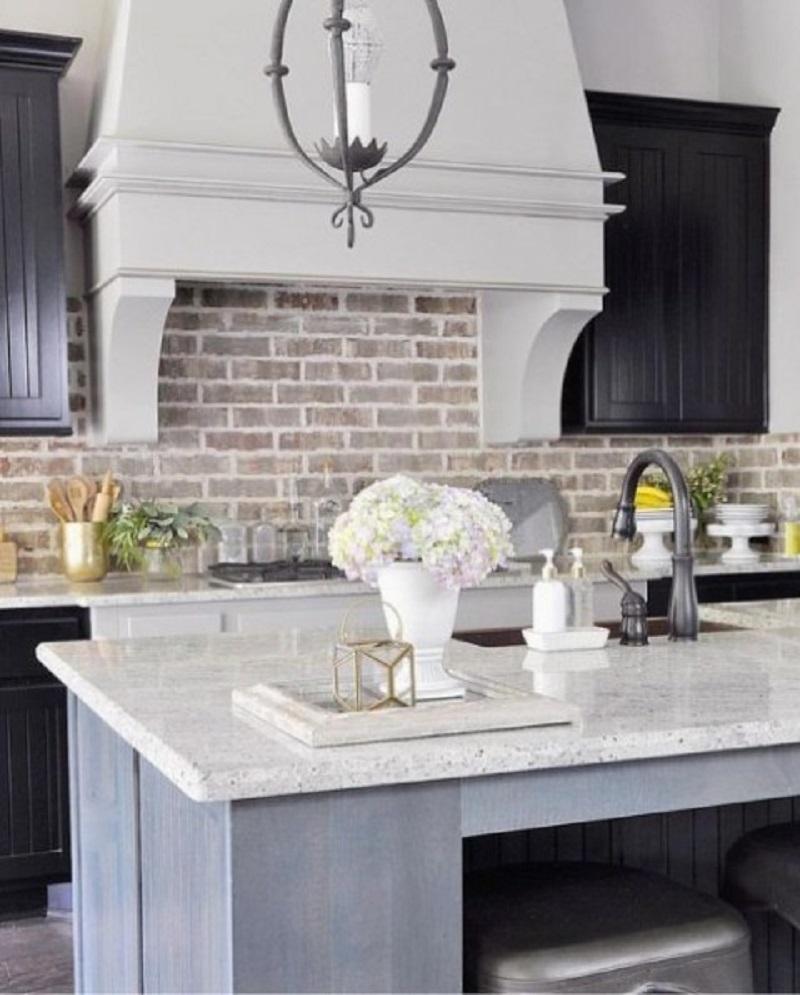 Elegant neutral kitchen