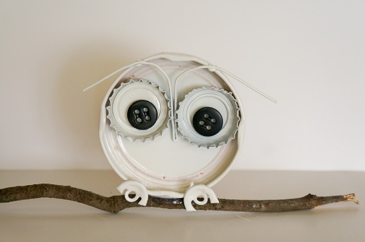 Bottle cap owl DIY Out Of The Box Bottle Cap Craft Ideas That Kids And Adult Can Create Together