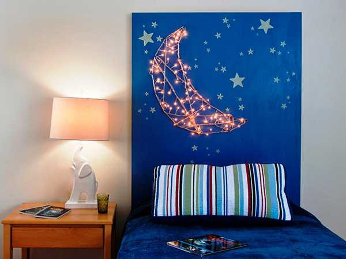 Starry headboard Best DIY Ideas As Solutions To All Your Boys Room Décor Dilemmas