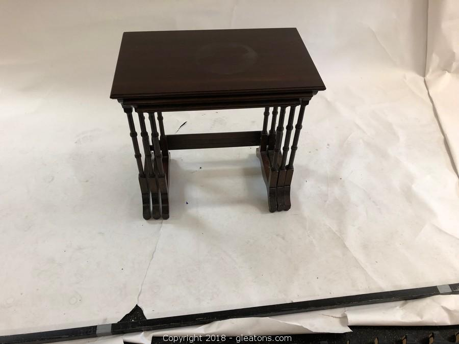 Gleaton s  The Marketplace   Auction  Antique Smalls  Unique     3 Nesting Tables  Adorable