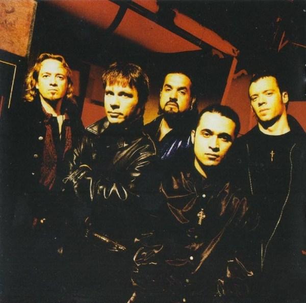 """Formação que gravou """"The Chemical Wedding"""": Adrian Smith, bruce Dickinson, Eddie Casillas, Roy Z e Dave Ingraham"""