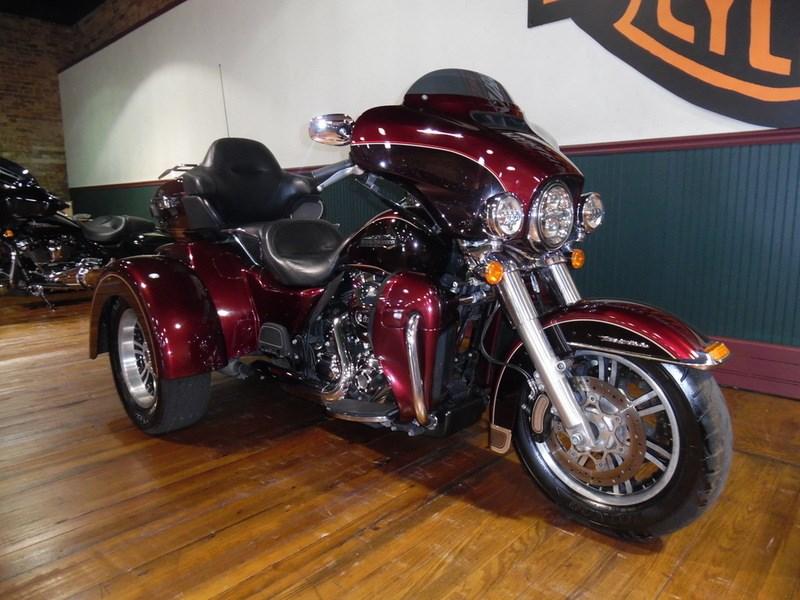 2015 Harley Davidson FLHTCUTG Tri Glide Ultra