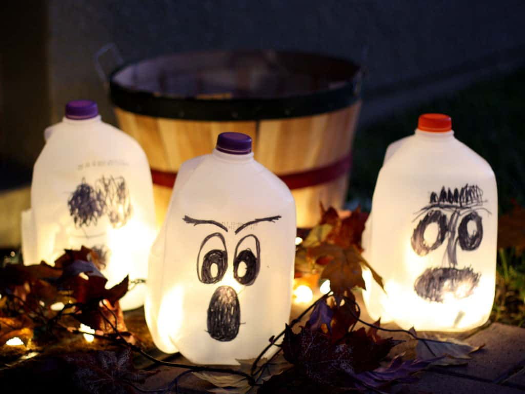 DIY Halloween Decorations To Make Using Household Items