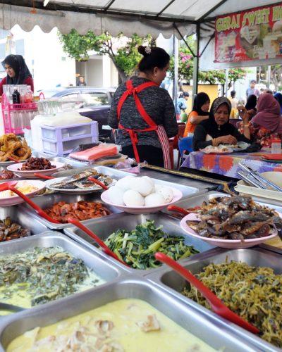 Kota Kinabalu night market, Sabah Borneo, Malaysia.