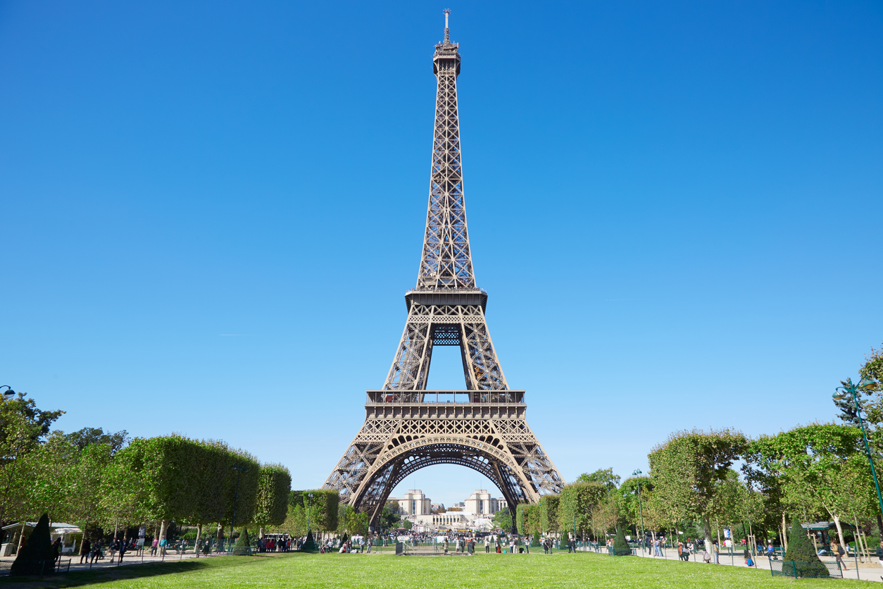 11 Famous Buildings Around The World You Have To See