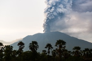 The eruption of the Volcano Mount Agung in Bali - Bali volcano eruption