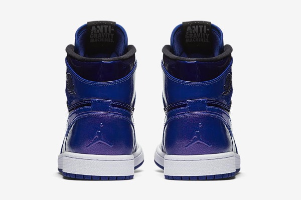 air-jordan-1-retro-high-deep-royal-blue-black-white-4