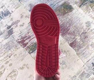 air-jordan-1-bred-toe-555088-610-07