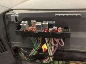 2004 International 4300 Fuse Box For Sale | Spencer, IA