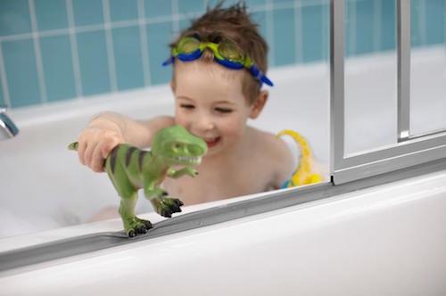 22 kids activities to make bath time fun for Fun kids bathroom