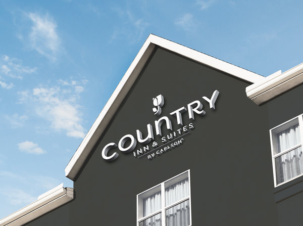 Country Inns & Suites by Carlson hotel building