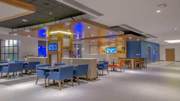 holiday inn express amp suites miami airport and intermodal - HD 2048×1152