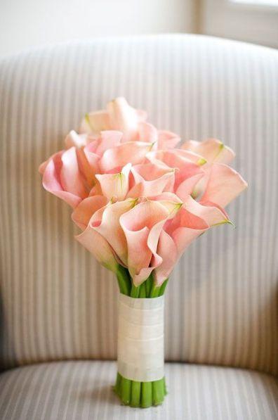 Florists in Singapore: Bridal bouquet flower ideas for summer weddings