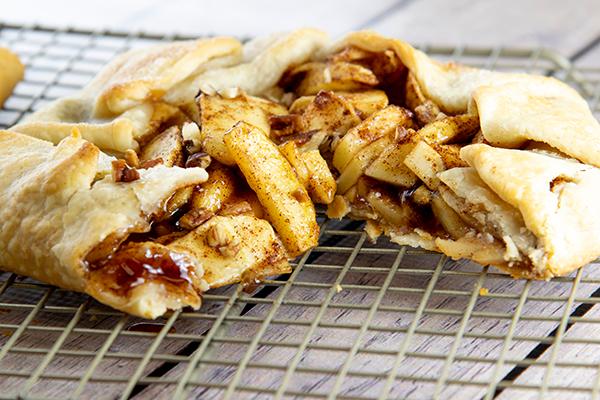 Cinnamon-Apple Crostata Free Cooking and BBQ Magazine