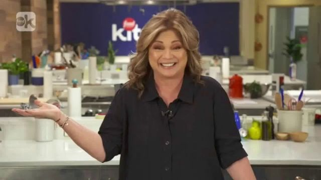 food network kitchen anybody featuring valerie bertinelli large 6 - Commentary: Food Shows are the Comfort Food during this Crisis