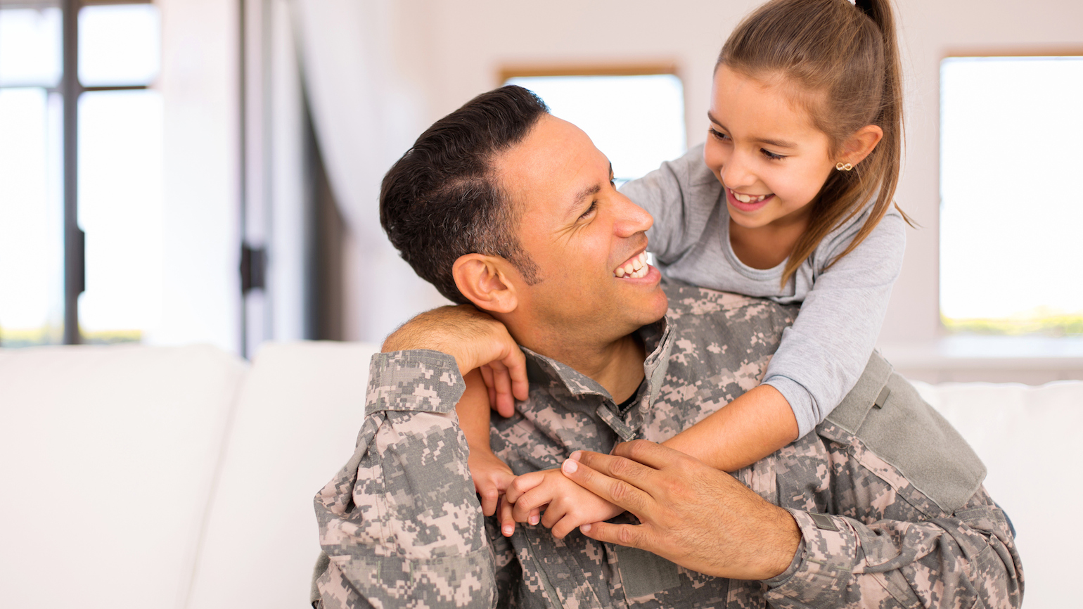 Hug A Military Family At Christmas Guideposts