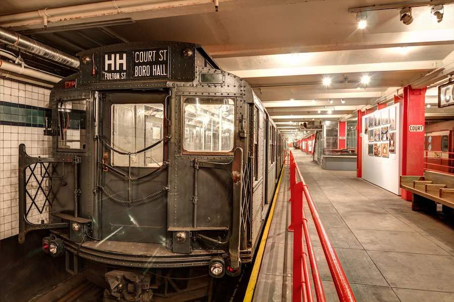 new york-Transit-Museum-Platform.