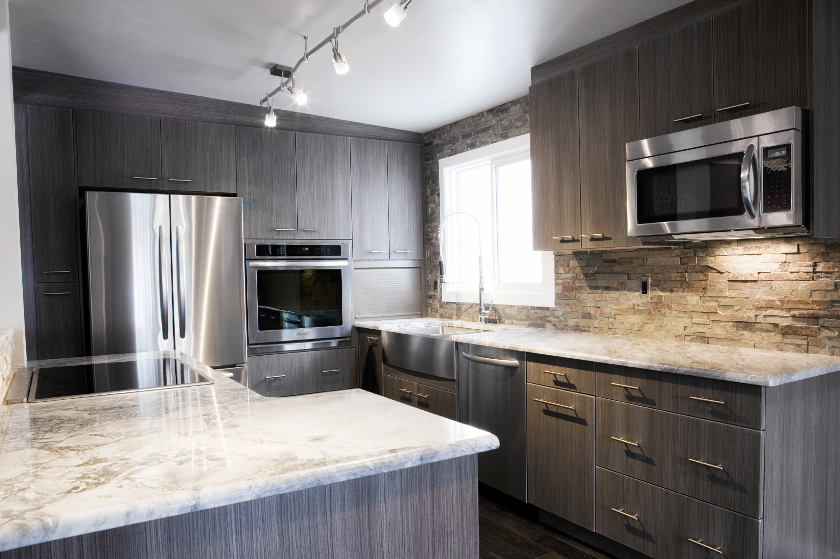 60 Ultra Modern Custom Kitchen Designs (Part 1) on Modern Backsplash For Dark Countertops  id=35243