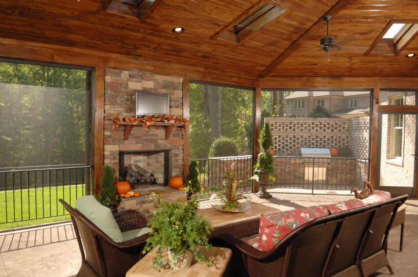55 Luxurious Covered Patio Ideas (Pictures) on Closed Patio Design id=25093