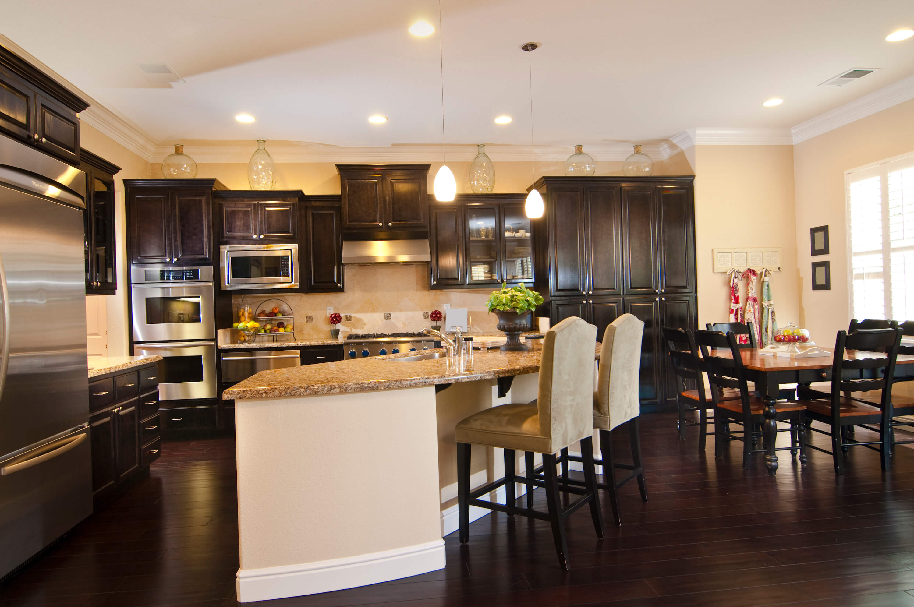 34 Kitchens with Dark Wood Floors (Pictures) on Maple Kitchen Cabinets With Dark Wood Floors Dark Countertops  id=69955
