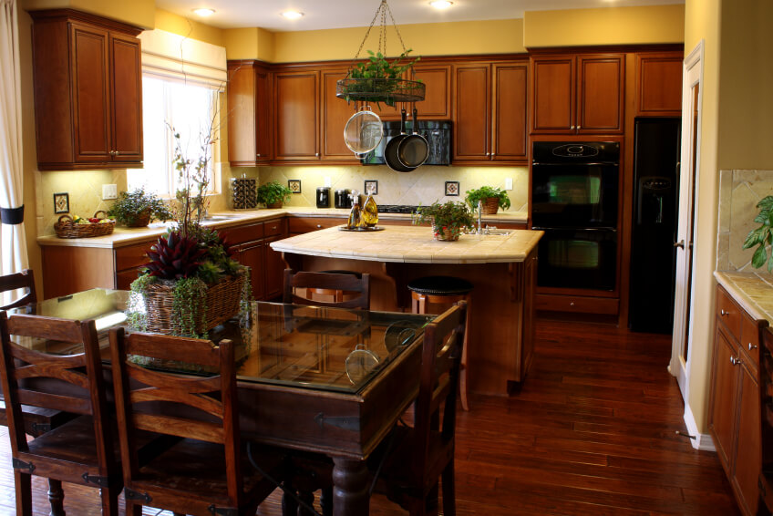 34 Kitchens with Dark Wood Floors (Pictures) on Maple Kitchen Cabinets With Dark Wood Floors Dark Countertops  id=81950