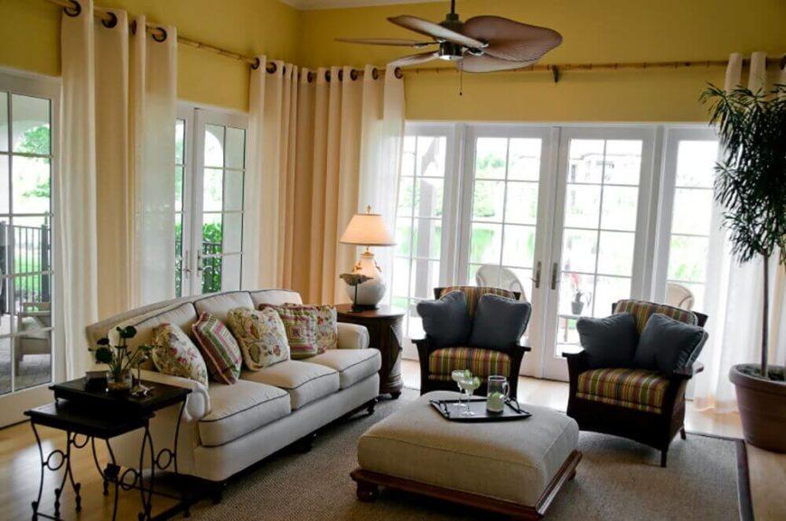 23 Spectacular Cottage Living Room Ideas on Farmhouse:-Cra1Rtrksu= Dining Room Curtains  id=72892