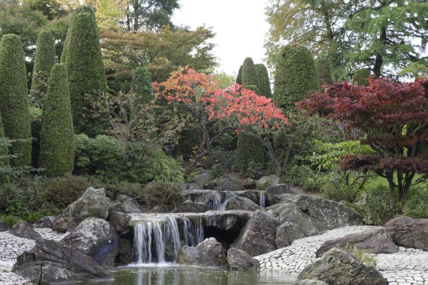 32 Backyard Rock Garden Ideas on Backyard Rocks  id=41007