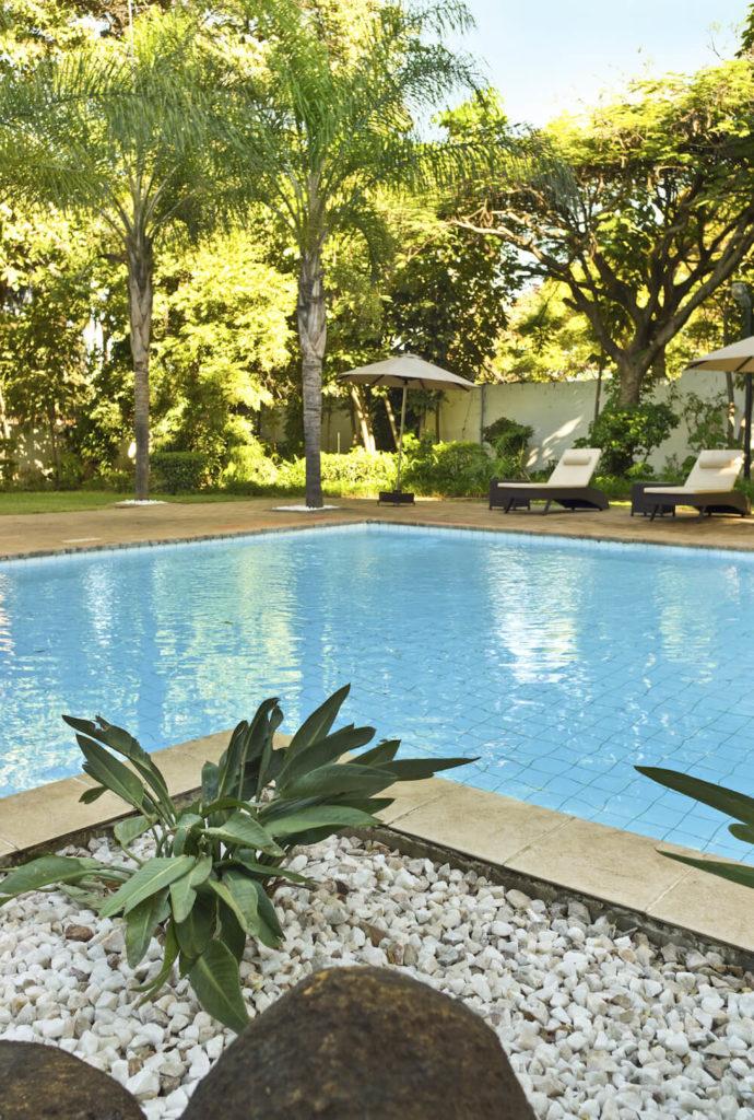 30 Spectacular Backyard Palm Tree Ideas on Palm Tree Backyard Ideas id=13539