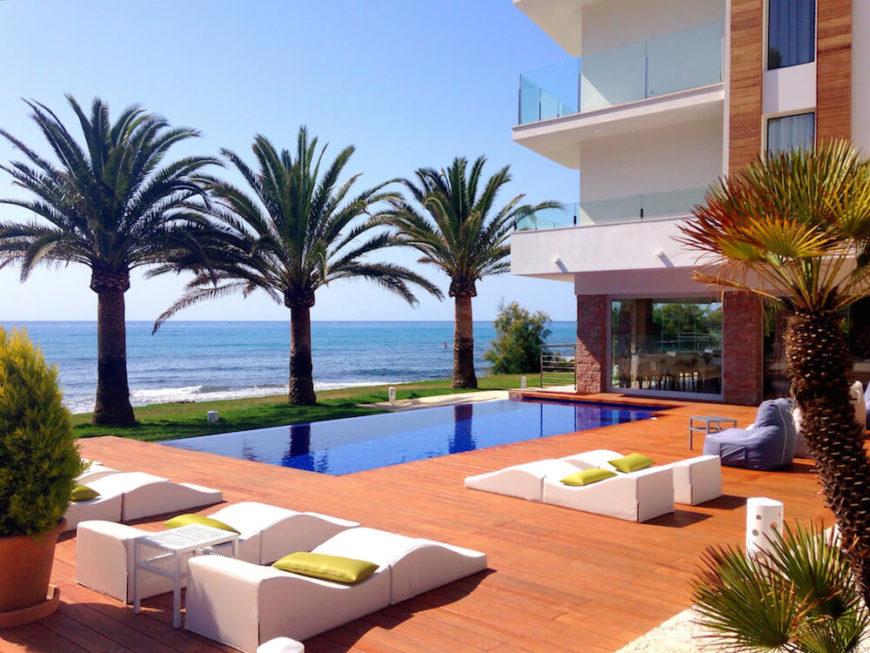 30 Spectacular Backyard Palm Tree Ideas on Palm Tree Backyard Ideas id=72400