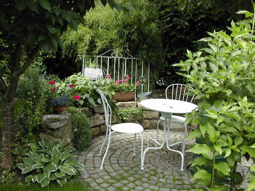 39 Pretty Small Garden Ideas on Landscape Design Small Area id=24539